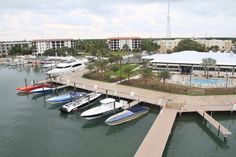 Florida Powerboat Club visiting Faro Blanco