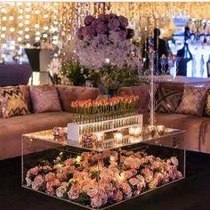 Stunning decor  a bride's dream #pakistanibride #bridal #regal #pakistanstreetstyle #thepakistanibride #pakistan #southasianbride #floral #flowers #wedding