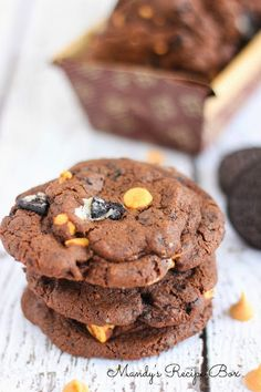 Mandy's Recipe Box: Chocolate Peanut Butter & Oreo Cookies