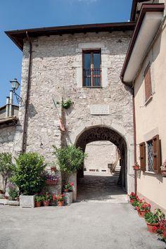 Tissino bathroom tissino pinterest for Piani di casa castello medievale