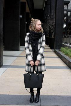 chelsea+lane+zipped+truelane+blog+minneapolis+midwest+fashion+style+blogger+lulus+plaid+coat+zara+black+leather+ankle+booties+dagne+dover+mini+tote4