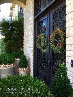 Willow wreath's & Seasonal pots  l Unique by Design