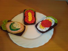 Crocheted open-faced sandwiches - Hæklet legemad: Hæklet rugbrød