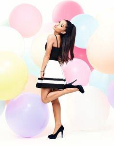 La línea de ropa de Ariana Grande ya es una realidad y la puedes conocer aquí - Imagen 2