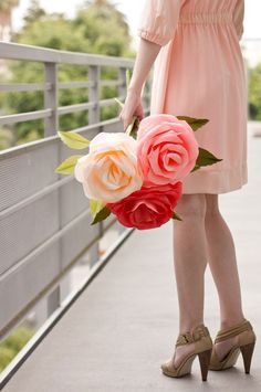 Paper Roses. Girls are highly recommended to make these crepe paper roses for your best friends. I believe these gorgeous giant paper roses must be a great gift that anyone can not resist. http://hative.com/best-friend-gift-ideas/