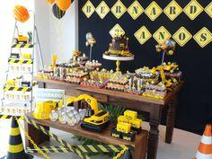 Festa Trator! Construction Birthday Parties, Cars Birthday Parties, Construction Party, Candy Table, Dessert Table, Birthday Board, 2nd Birthday, Pamper Party, Birthday Decorations