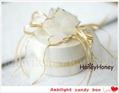 Free shipping 50 pcs/lot  Large candy box 9 * 9 * 7CM, Ambilight Round Favor Boxes - White XRA-M10 US $256.50