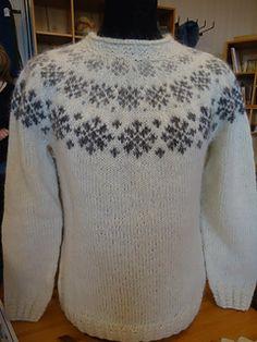 Ravelry: Snjókorn - Snefnug pattern by Margrét Jónsdóttir, Iceland Cardigan Pattern, Sweater Knitting Patterns, Lace Knitting, Knitting Designs, Knitting Socks, Knit Crochet, Norwegian Knitting, Icelandic Sweaters, Knit Art