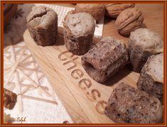 Mini cannelés roquefort et noix Bread, Mini, Food, Greedy People, Recipes, Kitchens, Brot, Essen, Baking
