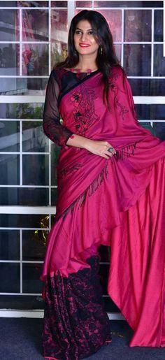 Wedding Dresses Pink Lace Beautiful 44 New Ideas Simple Sarees, Trendy Sarees, Stylish Sarees, Sari Design, Sari Blouse Designs, New Fashion Saree, Indian Fashion, Indian Designer Outfits, Indian Outfits