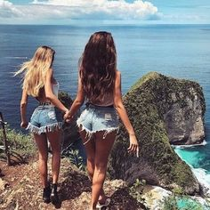 Discover more friendship inspiration bestfriends, besties, bff Best Friend Pictures, Bff Pictures, Summer Pictures, Shotting Photo, Bff Pics, Best Friend Goals, Best Friends Forever, Tumblr Girls, Photoshoot