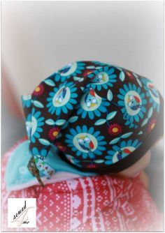 in diesem Tutorial zeige ich euch, wie einfach man aus einer Beanie eine Zipfelmütze zaubern kann. Und passend zur Weihnachtszeit im Weihnachtsmann Look...