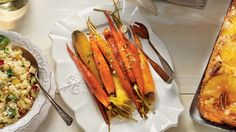 Pair your favorite dishes with this easy and quick maple-glazed carrots recipe! Pair your favorite dishes with this easy and quick maple-glazed carrots recipe! Carrot Recipes, Oven Recipes, Cooking Recipes, Healthy Recipes, Healthy Food, Maple Glazed Carrots, Vegetarian Paleo, Vegetable Recipes, Side Dishes