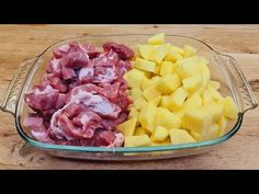 Slavnostní recept na brambory s masem, na večeři, pro celou rodinu # 221 - YouTube Potato Recipes, Pork Recipes, Le Diner, Food Festival, Fruit Salad, Food And Drink, Meat, Dinner, Kitchen