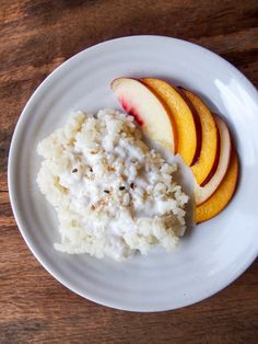 Coconut milk sticky rice with peach vermilion roots. Vegan Desserts, Easy Desserts, Delicious Desserts, Dessert Recipes, Filipino Desserts, Vegan Food, Dinner Recipes For Kids, Healthy Dinner Recipes, Vegan Recipes