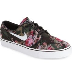 Camo patterns and pixelated florals bring cool, modern attitude to a streetwise low-top sneaker designed in collaboration with pro skateboarder Stefan Janoski.