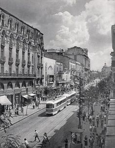 """Bucharest photos from the first decades of the century - mostly from the interwar period (between the two World Wars). ♦ The end of """"Little Paris"""" (click photo) ♦ Old Pictures, Old Photos, Romania Facts, Romania Travel, Little Paris, Bucharest Romania, Vacation Places, Old City, Beautiful Buildings"""