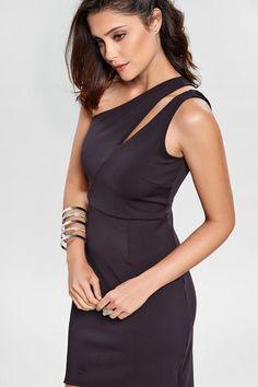 Vestido Neoprene One Shoulder Neckline Designs, Dress Neck Designs, Elegant Dresses, Pretty Dresses, Dresses For Work, Neoprene Gown, Lawyer Outfit, Modelos Fashion, Tango Dress