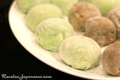 Receta de Matcha mochi, pastelito de arroz con té verde www.recetasjaponesas.com #receta #recetasjaponesas #japon #mochi #arroz #greentea #matcha