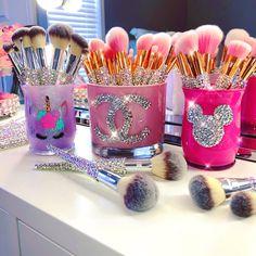 Blinged Brushes Tap photo to Shop Blinged Brushes are handcrafted makeup brushes made with extra love and ca Diy Makeup Brush, Make Makeup, Clean Makeup, Makeup Blog, Makeup Ideas, Makeup Storage, Makeup Organization, Makeup Vanity Decor, Makeup Looks For Brown Eyes