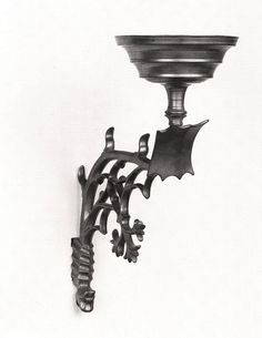 sconce 1450-1500 Dimensions 39 cm Material and technique brass. Museum Boijmans van Beuningen. Nederland.
