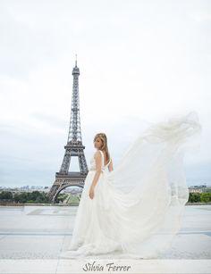 Boda en París, Boda en Torre Eiffel, Tour Eiffel, Postboda en París, fotógrafos de boda, Bodas Murcia, fotos de boda diferentes, wedding photographer, trash the dress, wedding in Paris, Pronovias 2014.  www.silviaferrer.com