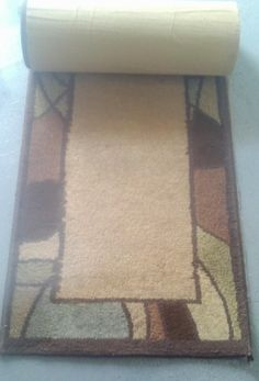 Hall Runner - matches area rug. Approx 2' x 5'