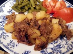 Beef Hash Roast Beef Hash A delicious, yet easy to prepare, alternative to warming up leftover roast beef.Roast Beef Hash A delicious, yet easy to prepare, alternative to warming up leftover roast beef. Roast Beef Hash, Leftover Roast Beef, Roast Beef Recipes, Tofu Recipes, Pot Roast Hash Recipe, Beef Rump, Potato Recipes, Yummy Recipes, Gastronomia