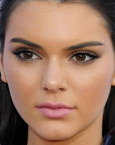 Close-up of Kendall Jenner at the 2015 Billboard Music Awards.