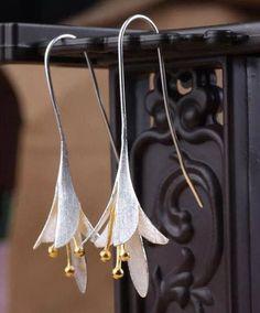 Silver Flower Earrings  Delicate Earrings Flower Jewelry for