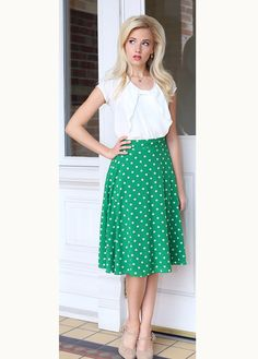 Chiffon Bow Top (White) Bow Tops, Skirt Outfits, Everyday Fashion, Spring Fashion, Midi Skirt, Polka Dots, Chiffon, Bows, Chic