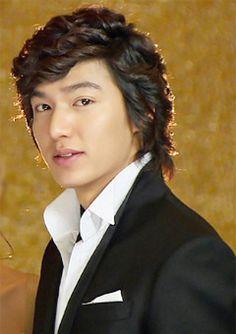 I wish to god. Once I have to meet Lee min Ho. Lee Min Ho Boys Over Flowers, Boys Before Flowers, Asian Actors, Korean Actors, Los F4, Goblin Korean Drama, Lee Min Ho Kdrama, Korea Tourism, Best Kdrama