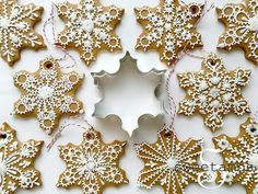 I love decorating the tree with edible ornaments! These snowflake cookies were made using my gingerbread cookie recipe, which you can find here. -- The snowflake cookie cutter that I used for this project is available at AnnClarkCookieCutters Christmas Gingerbread, Noel Christmas, Christmas Goodies, Christmas Treats, Christmas Baking, Winter Christmas, Thanksgiving Holiday, Christmas Recipes, Snowflake Cookie Cutter