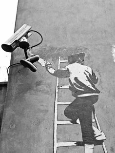 Banksy is such a powerful artist. I love him and hope that he continues his work for as long as possible. Graffiti Art, Street Art Banksy, Banksy Art, Urban Graffiti, Bansky, Banksy Images, Urban Street Art, 3d Street Art, Amazing Street Art