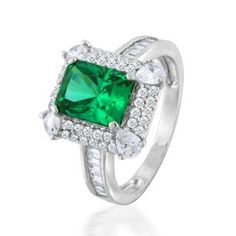 Vintage engagement rings green emerald cut 59 ideas for 2019 Vintage Style Wedding Dresses, Wedding Rings Vintage, Antique Engagement Rings, Diamond Engagement Rings, Wedding Ring Cushion, Silver Diamonds, Gatsby, Emerald Cut, Vintage Jewelry