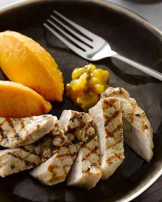 Een eenvoudig, doordeweeks gerechtje, maar op een feestelijke manier gebracht! Grill de varkensmignonettes mooi aan en serveer met quenelles wortelstamppot.