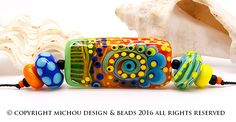 Flower Power - Set // Modern Glass Art // lampwork beads by Michou Pascale…