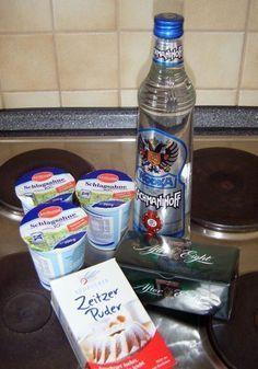 Ein ganz schneller Likör ist das! Ihr braucht: -eine Flasche Vodka (700ml/ ~40%) -eine Packung After Eight -600ml Sahne (oh yeah, Baby) ...