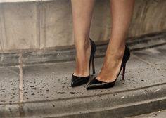 Black pointed toe pumps. Essential!