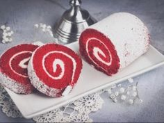Christmas Poinsettia, Sweet Desserts, Food Pictures, Red Velvet, Sushi, Caramel, Food And Drink, Sweets, Cookies