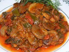Stufat de ciuperci Eggplant Mushroom Recipe, Mushroom Recipes, Ghana Food, My Favorite Food, Favorite Recipes, Meat Steak, Romanian Food, Romanian Recipes, Soul Food