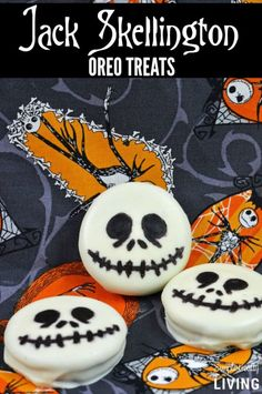 Love The Nightmare Before Christmas? Make these Jack Skellington Oreo Treats just in time for Halloween! What Is Halloween, Halloween Oreos, Halloween Crafts For Kids, Halloween Desserts, Halloween Food For Party, Halloween Cookies, Holidays Halloween, Spooky Halloween, Halloween Baking