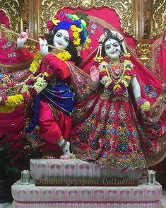 """Hare Krishna"" - FOLLOW - @iskcontemple --------------------------------------- #harekrishna #haribol #iskcontemple #iskcon_temple… Radha Krishna Images, Radha Krishna Photo, Krishna Photos, Radhe Krishna Wallpapers, Lord Krishna Hd Wallpaper, Iskcon Krishna, Shree Krishna, Baby Krishna, Krishna Love"