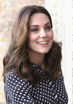 Kate Middleton Photos - Catherine, Duchess of Cambridge visits The Foundling Museum on November 2017 in London, England. - The Duchess Of Cambridge Visits The Foundling Museum Looks Kate Middleton, Kate Middleton Photos, Duchess Kate, Duke And Duchess, Princess Katherine, Princess Diana, Princesa Kate Middleton, Queen Kate, Pregnant Mother