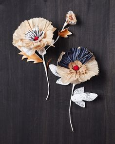 Paper flowers crafted by Thuss+ Farrell