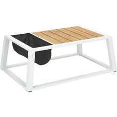 """Dieser Gartentisch aus der Serie """"Luanda"""" von AMBIA ist ein echter Hingucker und unglaublich praktisch!"""