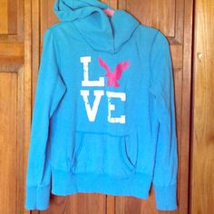 PRICE ⬇️✨American Eagle baby blue comfy sweatshirt Soft and comfy baby blue sweatshirt. Worn but perfect condition. American Eagle Outfitters Tops Sweatshirts & Hoodies