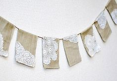 burlap and doilies.want to make a table runner out of burlap and doilies Doily Garland, Doily Bunting, Doily Art, Burlap Garland, Hessian Bunting, Burlap Banners, Bunting Ideas, Crochet Bunting, Judy Garland