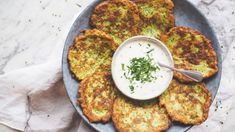Cuketové placky s jogurtovým dipem - My Cooking Diary Good Food, Yummy Food, Palak Paneer, Dip, Curry, Food And Drink, Cooking, Ethnic Recipes, Pizza