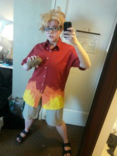 """Had an absolute blast keeping it weird as Ronaldo Fryman from Steven Universe at Anime Boston! The SU meetup was so much fun and everyone was super sweet! I loved being my favorite crazy human and running around telling people to """"FOLLOW MY BLOG!"""" If you haven't already you should definitely check out the official blogkeepbeachcityweird!"""